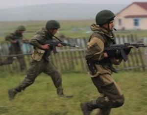 В рамках китайско-российских совместных военных учений 'Мирная миссия-2013' организованы первые боевые стрельбы