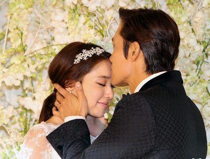 Фото: свадьба актера Ли Бён Хона