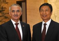 Лю Юаньчао встретился с первым заместителем премьер-министра Таджикистана