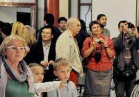 Выставка «Возрождение садов Юаньминъюань» в Москве привлекает массы посетителей