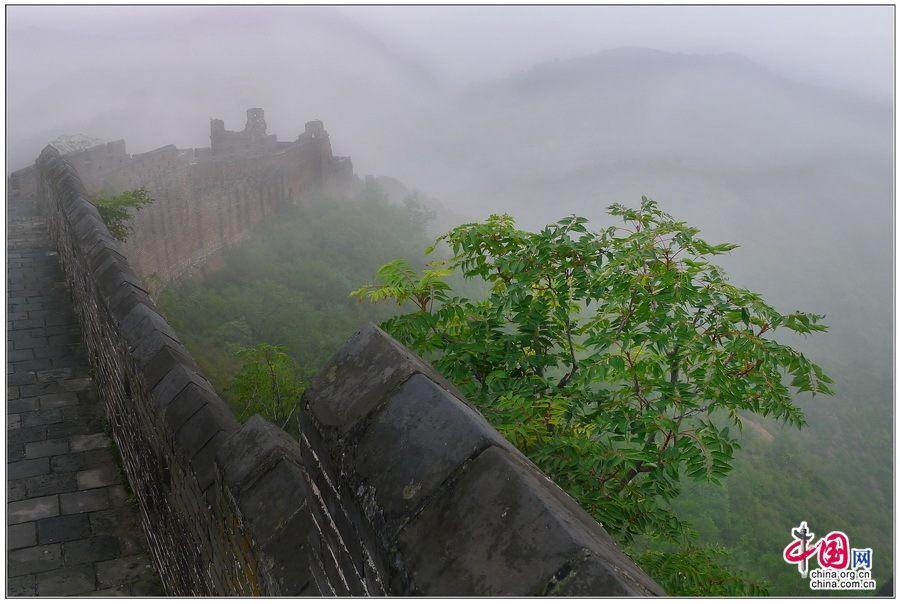 Участок Великой китайской стены Цзиньшаньлин осенью