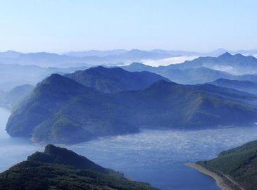 Самое красивое озеро на северо-востоке Китая – озеро Хуаньлунху