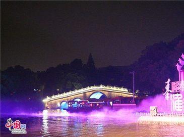 Чарующие ночные пейзажи реки Циньхуайхэ в Нанкине