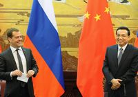 Ли Кэцян и Д. Медведев провели совместную пресс-конференцию по итогам встречи