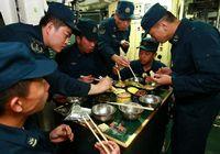 Что кушают солдаты в атомной подводной лодке?