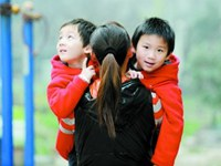 Специалисты о влиянии политики разрешения на второго ребенка: повышение способности семьи противостоять рискам