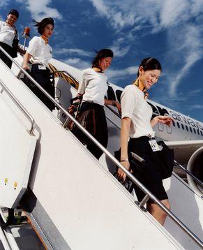 Кругосветное путешествие: стюардессы разных стран мира