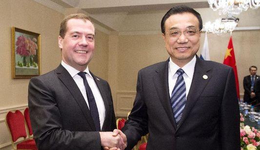 Ли Кэцян: приложить совместные усилия к развитию китайско-российских отношений и развитию ШОС