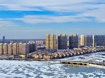 Очаровательные зимние пейзажи города нефти - Дацина