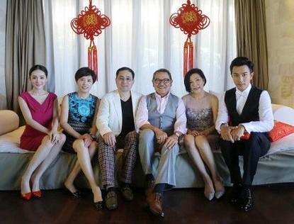 Семейные фотографии – счастливые Ян Ми и Лю Кайвэй