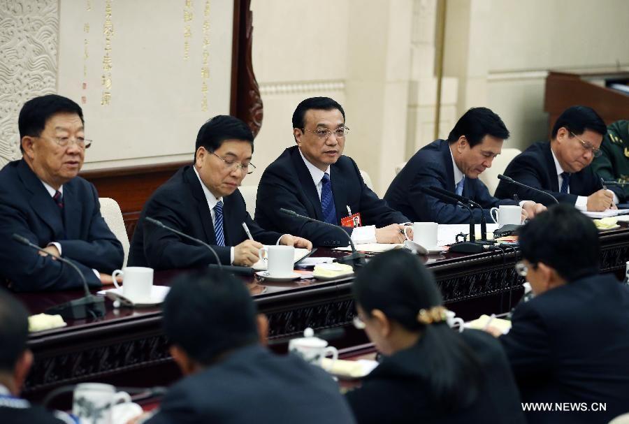 Ли Кэцян подчеркнул необходимость непрерывно повышать уровень жизни народа
