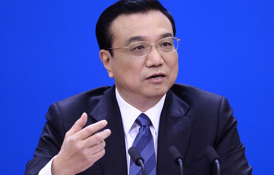 Жестикуляция премьера Ли Кэцяна на встрече с журналистами