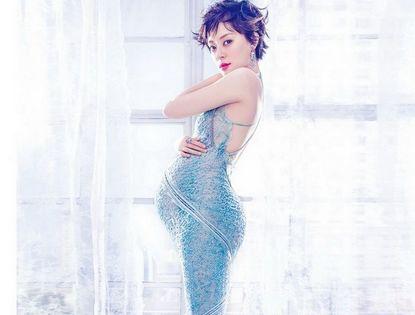 Беременная актриса Сунь Ли украсила обложку модного журнала
