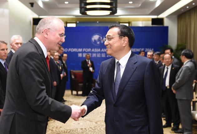 Ли Кэцян встретился с бизнесменами - участниками Боаоского Азиатского форума