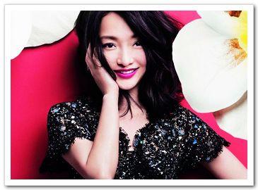 Чжоу Сюнь в новых снимках, посвященных 5-годовщине со дня выпуска модного журнала «Хун Сю»
