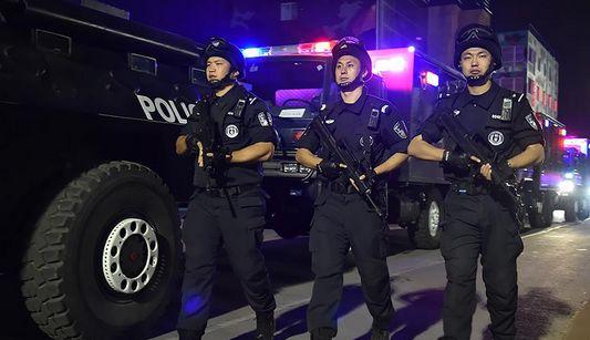 В Пекине прошли антитерористические учения и тренировка по реагированию на общественные беспорядки
