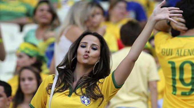 Самые сексуальные болельщицы ЧМ по футболу в Бразилии