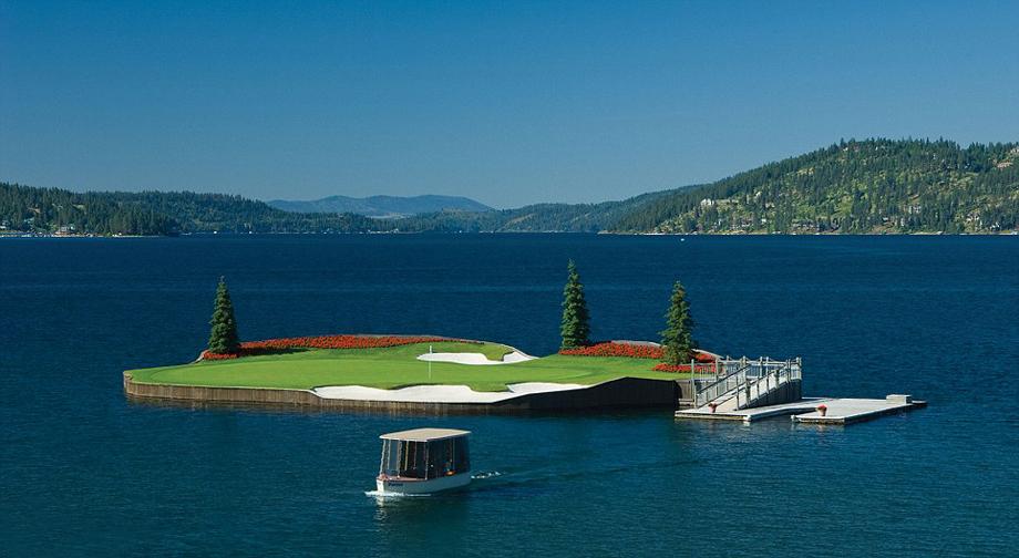 Единственное в мире плавающее поле для гольфа