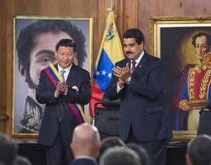 Си Цзиньпину вручен Орден Освободителя Венесуэлы
