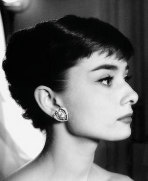 Большое количество редких фотографий Одри Хепберн
