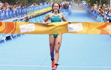 Австралийка Бриттани Даттон выиграла первое золото на 2-й Юношеской Олимпиаде в Нанкине