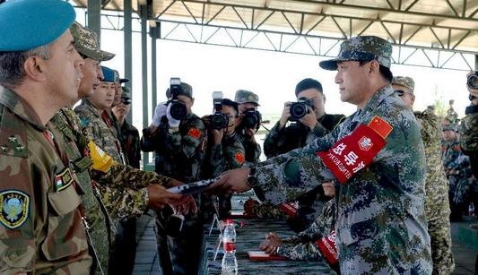 Официально начались совместные военные антитеррористические учения 'Мирная миссия-2014'