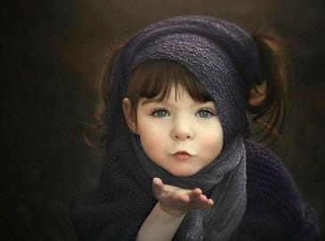 Фотографии в стиле фэнтези: однорукая девочка в объективе матери Холли Спринг