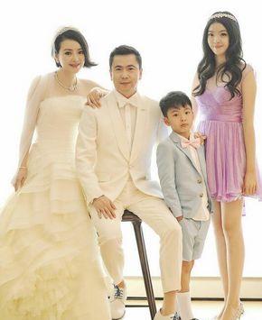 Свадебные фотографии Ван Чжунлэя и Ван Сяожун