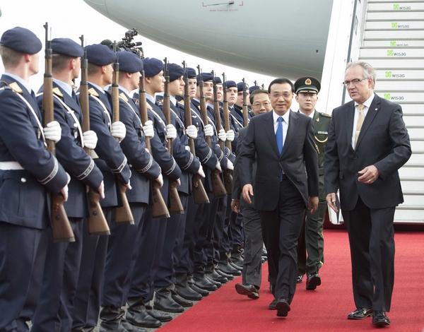 Ли Кэцян прибыл в Берлин с официальным визитом