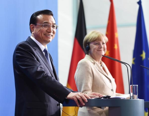 Ли Кэцян и Ангела Меркель провели совместную встречу с журналистами