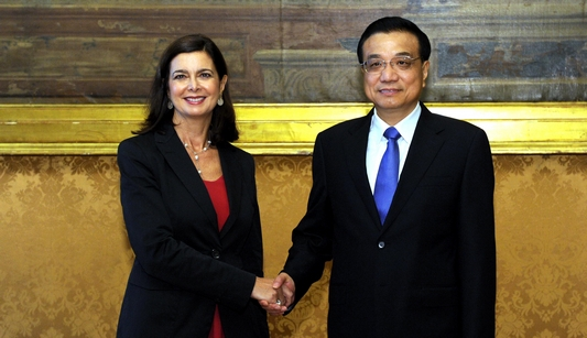 Ли Кэцян встретился с председателем Палаты депутатов Италии