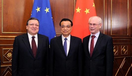 Ли Кэцян провел встречу с председателем Совета ЕС Херманом Ван Ромпеем и председателем Комиссии ЕС Жозе Мануэлом Баррозу