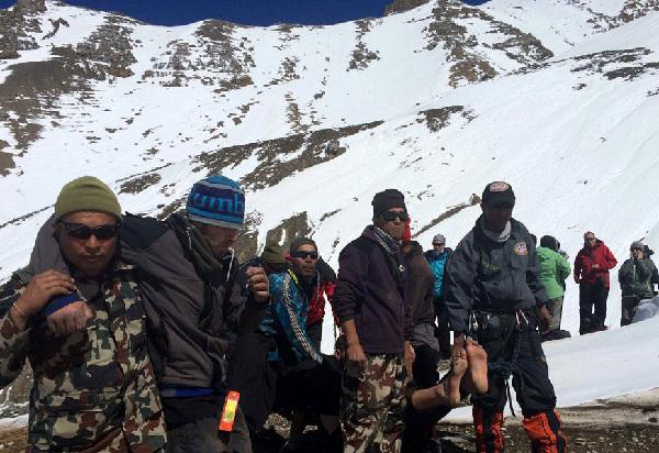 Из района схода снежной лавины в Непале были спасены 350 человек