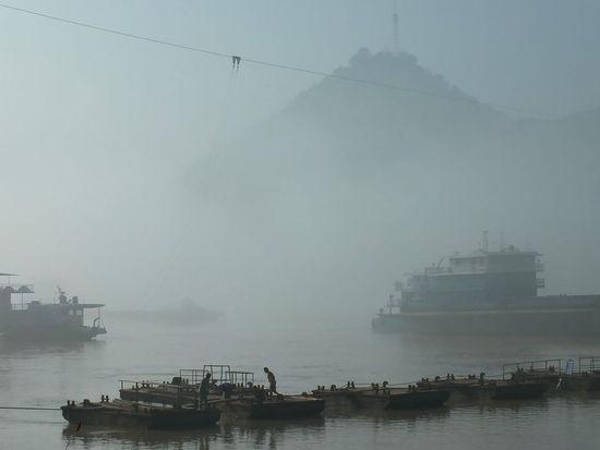 В объективе фотографа: окутанные смогом города Китая