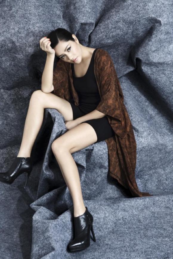 Супермодель Цюй Ин на обложке модного журнала