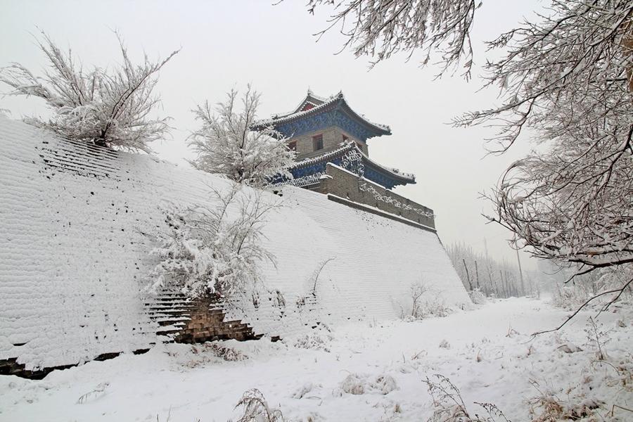 Мир из снега и льда в городе Чжанцзякоу