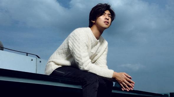 Чэнь Болинь (Bolin Chen) в новой фотосессии демонстрирует стиль настоящего джентльмена