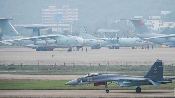Фотографии с Международного авиасалона в Чжухае 2014