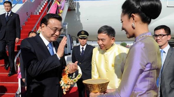 Ли Кэцян прибыл в Тайланд на встречу руководителей в рамках Экономического сотрудничества в большом субрегионе реки Меконг