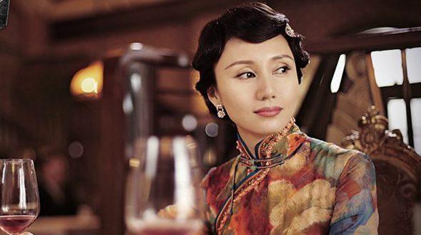 Известная актриса Юань Цюань в ципао