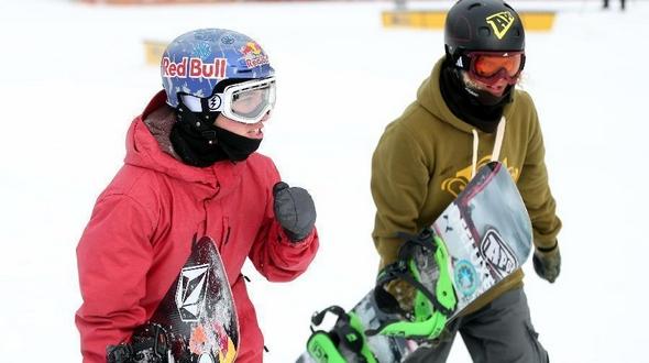 Всемирно известные сноубордисты собрались в уезде Чунли, чтобы поддержать заявку Пекина на проведение Зимней Олимпиады-2022