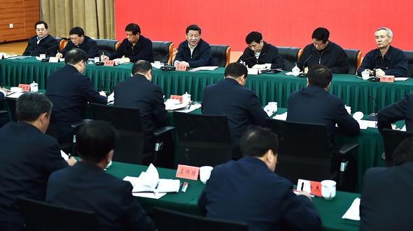 Си Цзиньпин указал на необходимость борьбы с бедностью в районах старых революционных баз страны