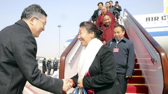 Делегация ВСНП из Тибета прибыла в Пекин