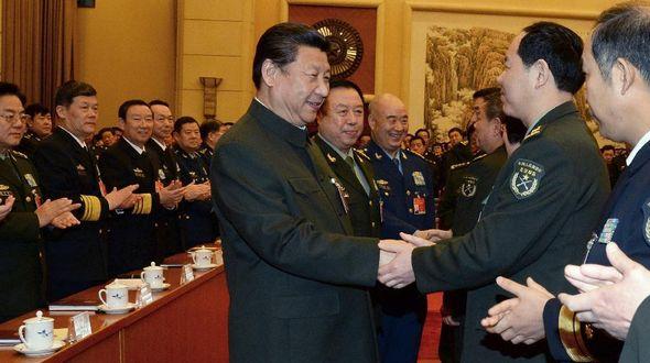 Си Цзиньпин призвал к усилению военно-гражданской интеграции для повышения боеспособности армии