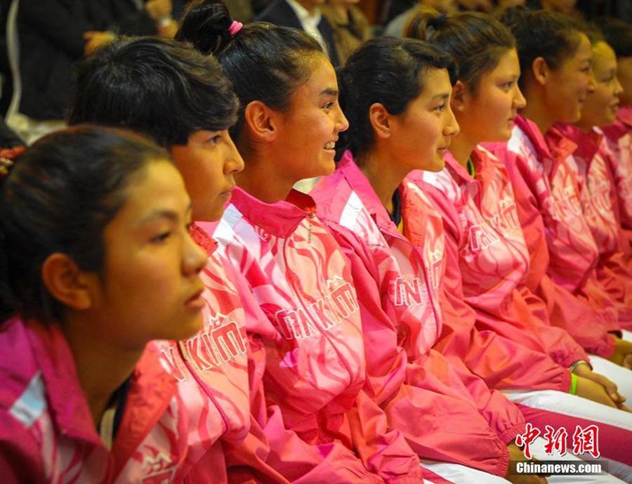 В Синьцзяне появилась первая женская профессиональная футбольная команда