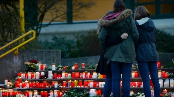 Народ Германии почтил память погибших при крушении авиалайнера А320 компании Germanwings