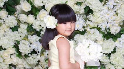 Симпатичная девочка Ван Шилин
