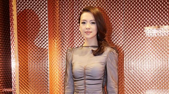 Чжан Цзыи в Токио для участия в коммерческом мероприятии