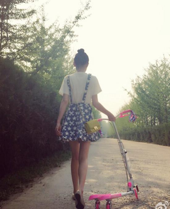 36-летняя красавица Чэнь Цяоэнь