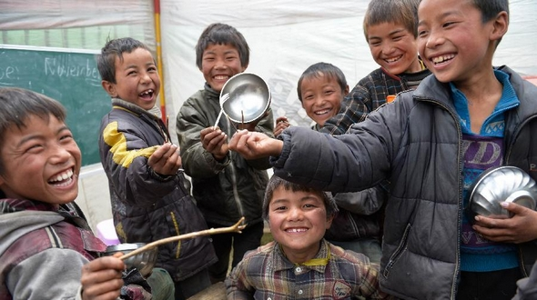 Пострадавшие от землетрясения на Тибете получают помощь и лечение, эпидемических вспышек не зафиксировано